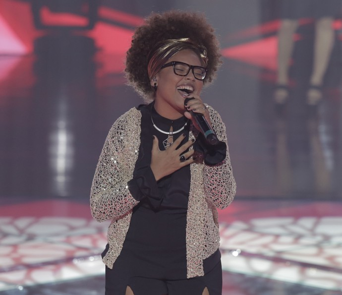 Brena Gonçalves cantou 'Ainda Bem' (Foto: Artur Meninea/Gshow)