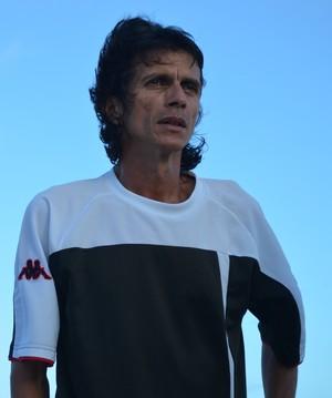 Iedo Morgado elogia Estanciano e dá conselho para árbitros (Foto: Felipe Martins)