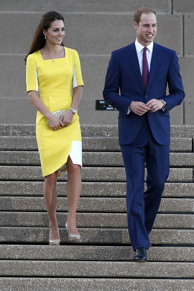 Kate Middleton e príncipe William chegam a Sydney, na Austrália (Foto: Reuters)