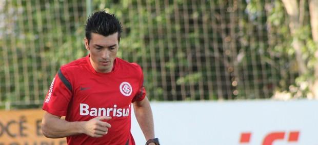 Dátolo, meia do Inter  (Foto: Diego Guichard / GLOBOESPORTE.COM)