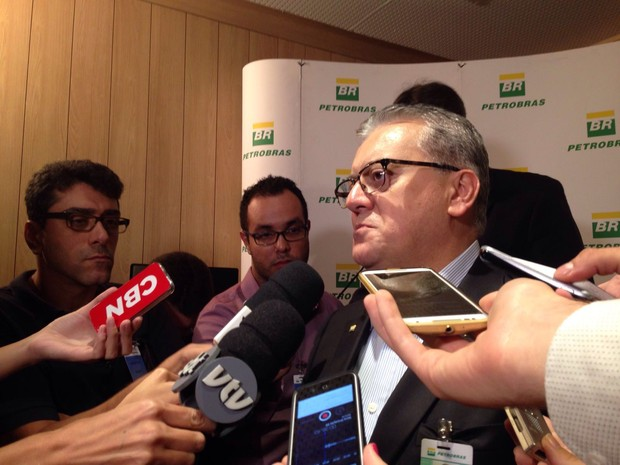 Presidente da Petrobras, Aldemir Bendine, em Santos (Foto: Mariane Rossi/G1)