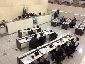 Sessão contou com quórum de 16 parlamentares na Alap (Foto: John Pacheco/G1)