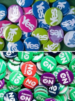 Bottons pedem votos para o 'sim' e o 'não' no plesbiscito sobre a independência da Escócia (Foto: AFP Photo/Lesley Martin)