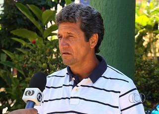 Uidemar, exv-volante de Goiás e Flamengo (Foto: Reprodução/TV Anhanguera)