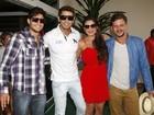 Ex-BBBs deixam hotel no Rio e fazem a festa dos fãs