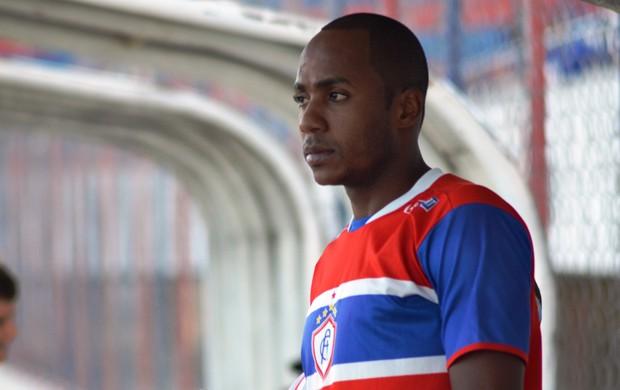 Alex Paulista entrou e conseguiu virar o jogo  (Foto: Felipe Martins/GLOBOESPORTE.COM)