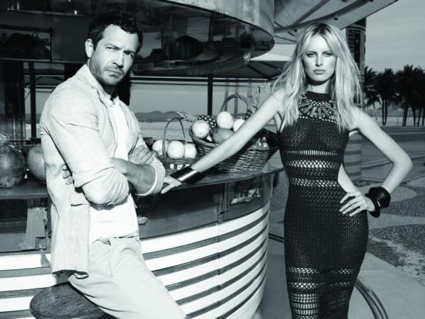 Karolina Kurkova com Malvino Salvador na Vogue Rio de novembro de 2011 (Foto: Arquivo Vogue)