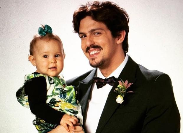Rafael Infante e a filha, Lara (Foto: Reprodução/Instagram)