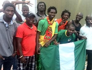 torcedores de Guiné-Bissau (Foto: Marcos Montenegro)