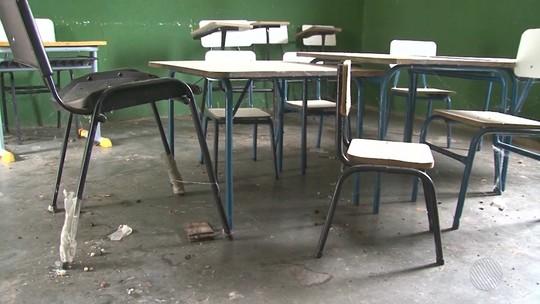 Problemas de infraestrutura atrasam aulas de escolas municipais na Bahia