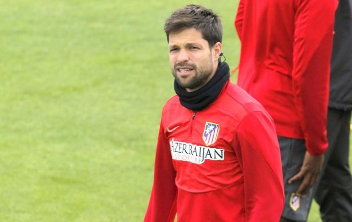 Diego no treino do Atlético de Madrid (Foto: EFE)