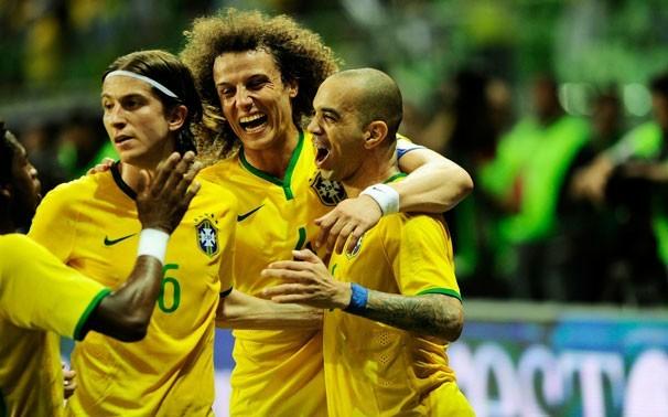Seleção saiu vitoriosa em seu primeiro jogo em casa, após a Copa do Mundo (Foto: Marcos Ribolli)