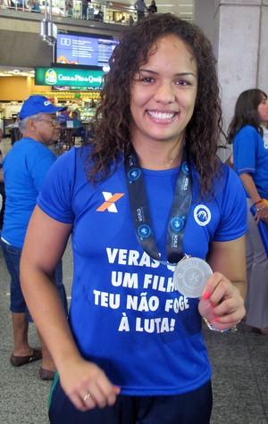 Aline Silva luta olímpica (Foto: Thiago Benevenutte)