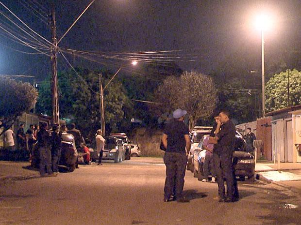 A casa onde o cabo da Polícia Militar foi morto fica na QNN 24 de Ceilândia, no Distrito Federal (Foto: Ricardo Moreira / G1)