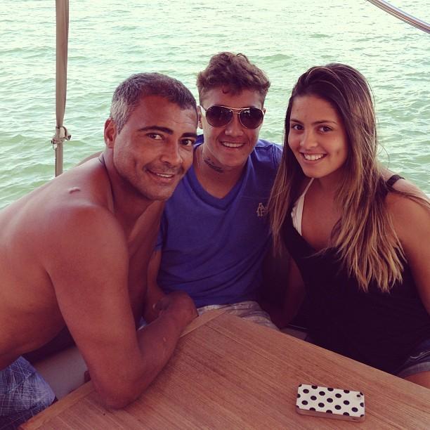 Romário com os filhos Romarinho e Danielle Favatto (Foto: Reprodução_Instagram)