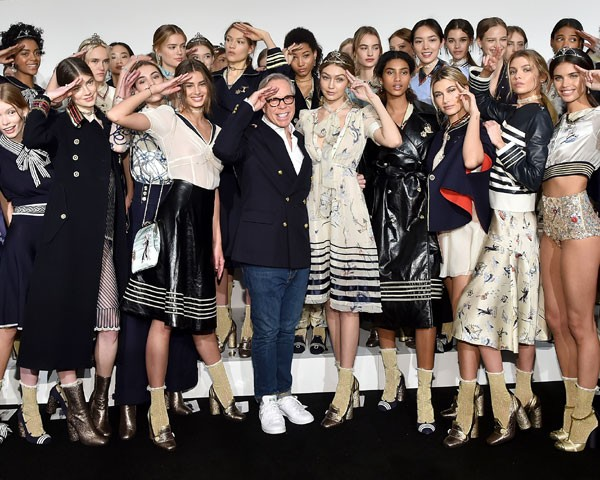Backstage Tommy Hilfiger  - Inverno 2016 (Foto: Getty Images)