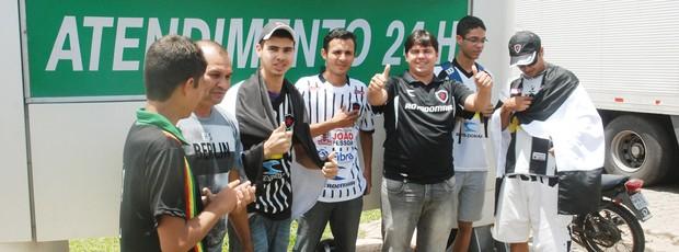 botafogo-pb, torcida do botafogo-pb, festa em joão pessoa,  (Foto: Lucas Barros  / Globoesporte.com/pb)