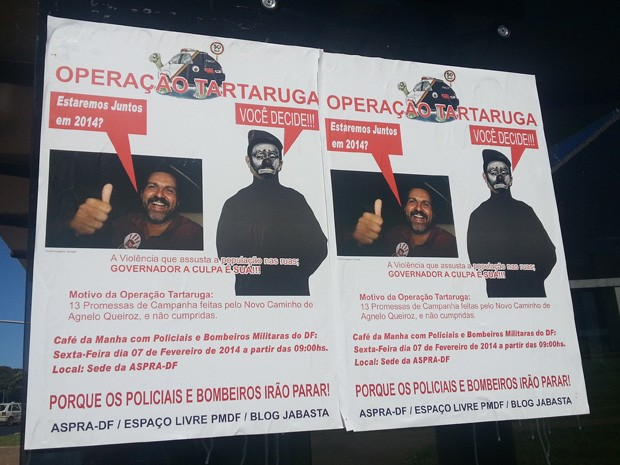 Cartaz afixado em parada de ônibus na área central de Brasília (Foto: Raquel Morais/G1 DF)