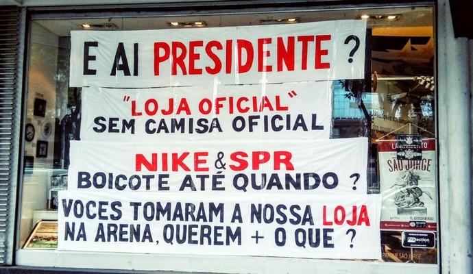 Protesto - Loja Corinthians (Foto: Divulgação)
