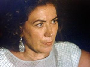 Marta não vê a hora de encontrar José Alfredo (Foto: TV Globo)