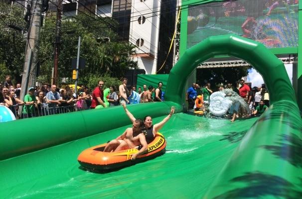 Público se divertiu no domingo ensolarado em Porto Alegre (Foto: Gabriela Haas/RBS TV)