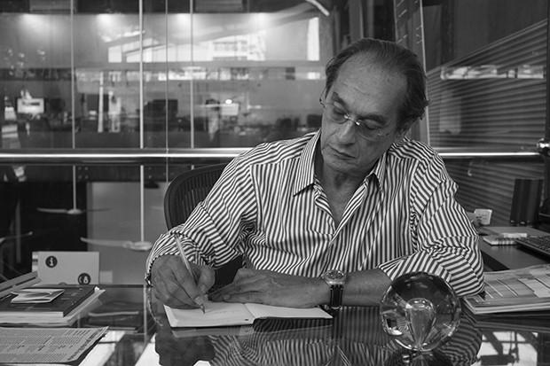 Arthur Casas, Pedro Lázaro e Indio da Costa debatem modernismo  (Foto: Divulgação)