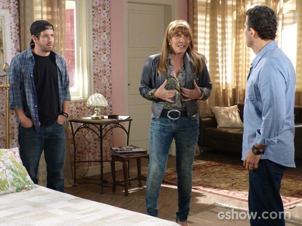 Pedro descobre traição de Gláucia e ela conta sobre roubo de Jonas (Foto: Geração Brasil/TV Globo)