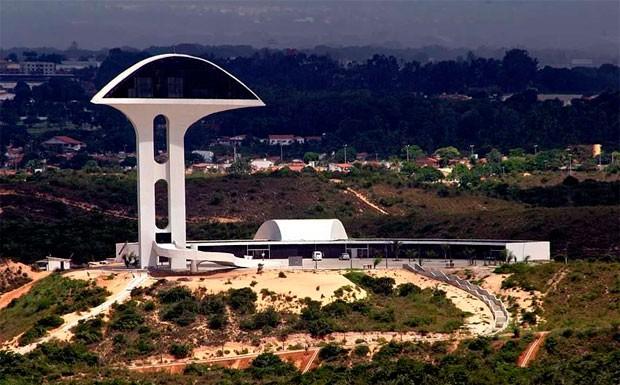 Parque da Cidade custou R$ 22 milhões, mas a Torre do Memorial nunca funcionou (Foto: Canindé Soares)