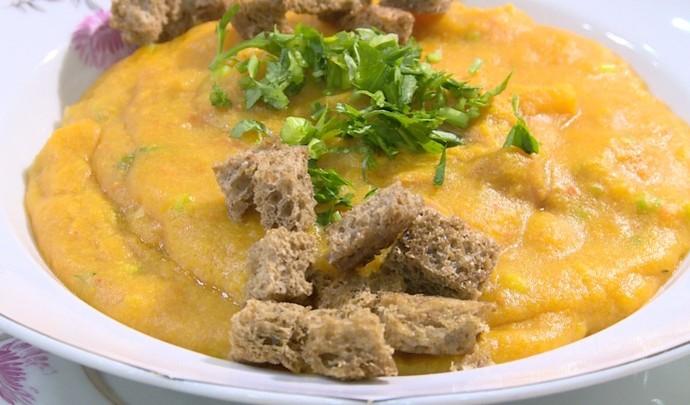 Aprenda a fazer sopa de caqui (Foto: Reprodução / TV Diário )