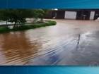Moradores de um bairro em Uberaba contabilizam estragos após chuva