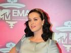 Anel usado por Katy Perry não seria de noivado, diz revista