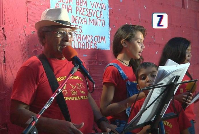 'Singeleza' leva música a crianças da Zona Leste da capital amazonense (Foto: Zappeando)