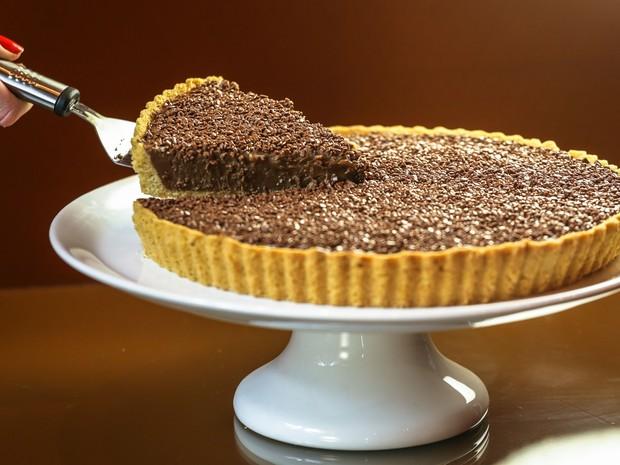A Brigadeiro Bistrô agora oferece torta de brigadeiro em dois tamanhos - o grande serve até 12 pessoas  (Foto: Keiny Andrade)