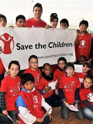 Cristiano Ronaldo Save the children (Foto: Reprodução)