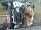 Veículo colide em barranco e deixa um morto e 5 feridos na BR-104, em PE