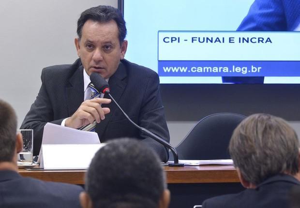 Deputado Nilson Leitão participa de audiência na CPI da Funai (Foto: Antonio Cruz/ Agência Brasil)