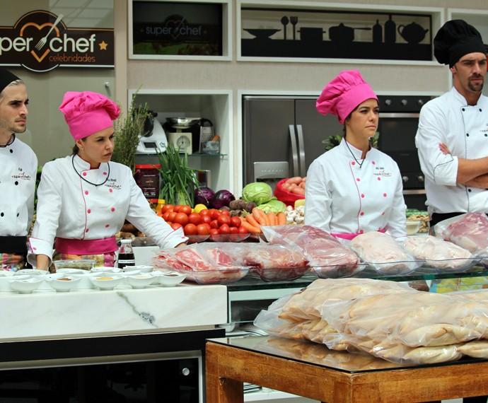 Minutos antes da semifinal do 'Super Chef' começar  (Foto: Carolina Morgado/Gshow)