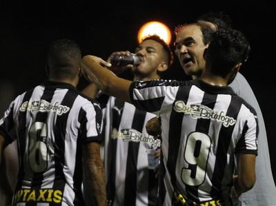 Ricardo Gomes Botafogo x Luverdense (Foto: Vitor Silva / SSPress)