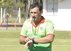 Eduardo Henrique já pensa no próximo jogo do CEOV (Foto: Christian Guimarães)