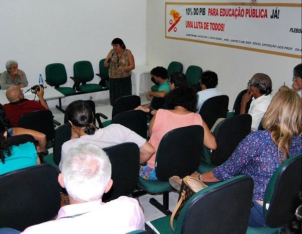 Professores se mobilizam pelo indicativo de greve (Foto: Divulgação )