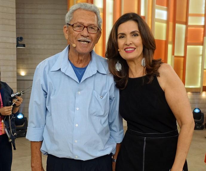 Expedito Seleiro, convidado do programa, com a apresentadora  (Foto: Juliana Hippert/Gshow)