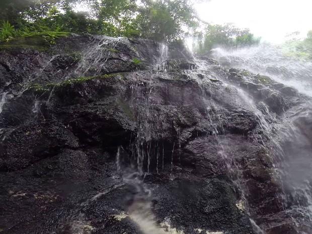Cascata de Marinka, em Minca, na Colômbia (Foto: Reprodução/Youtube/Christina Smith)