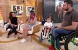 Conheça a história da Thaís, que tem filho e marido cadeirantes