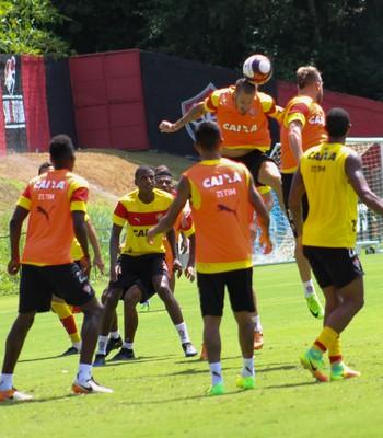 Vitória trabalha bola parada e fecha preparação  clube divulga ... 6ffd6b3542c4b