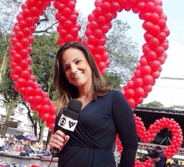 Adriana Cutino, repórter da TV Tribuna (Foto: Arquivo Pessoal)
