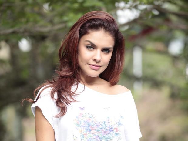 Paloma Bernardi colhe frutos da vilã em Salve Jorge (Foto: Salve Jorge / TV Globo)