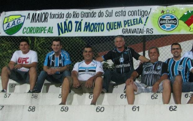Torcedores do Coruripe, no Jayme Cintra (Foto: Rafaela Gonçalves / Globoesporte.com)
