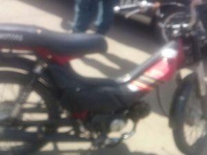 Ciclomotor foi furtado há cerca de uma semana (Foto: PM/Divulgação)