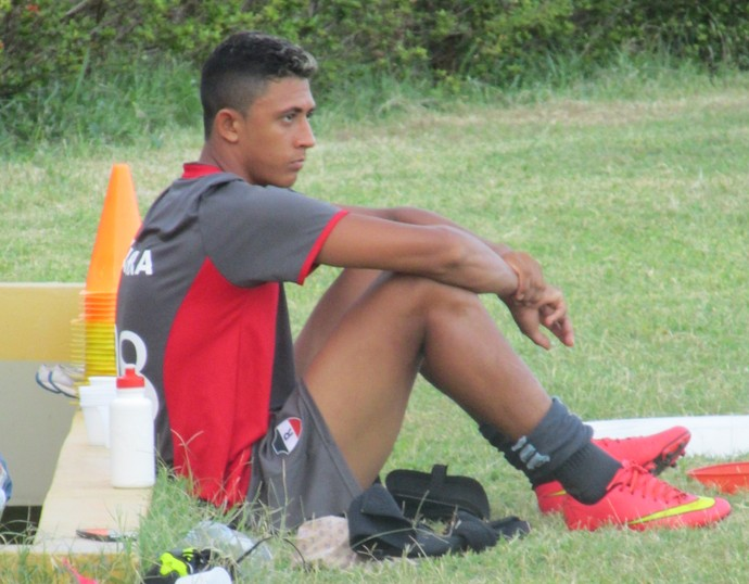 Lucas Bacelar, atacante River-PI (Foto: Antônio Fontes/GloboEsporte.com)