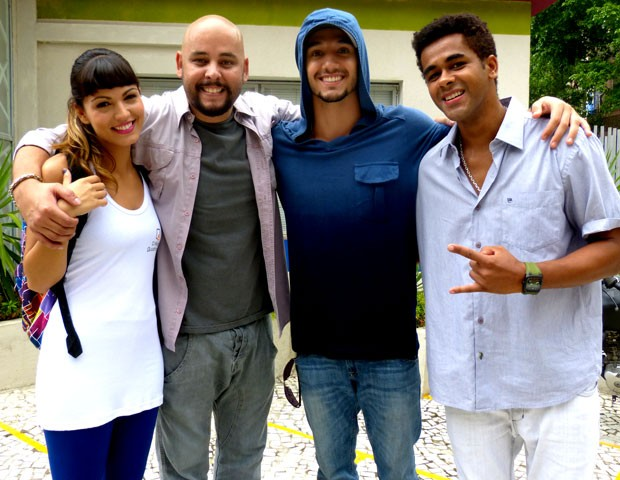 Os atores estão felizes com seus personagens (Foto: Malhação / TV Globo)
